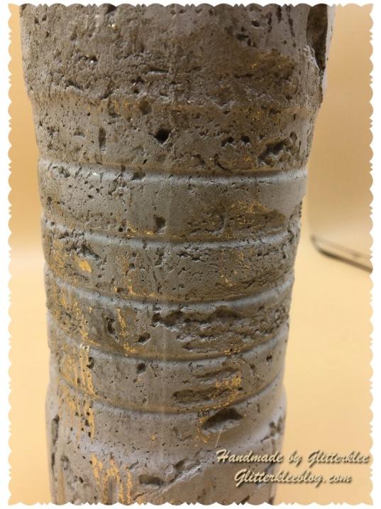 Vase mit Blattgold-1
