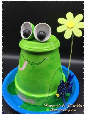 Tontöpfe als Frosch-1